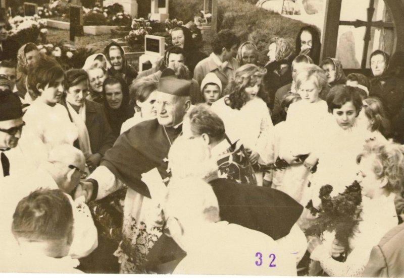 Návštěva kardinála Tomáška ve Slatině 1.jpg