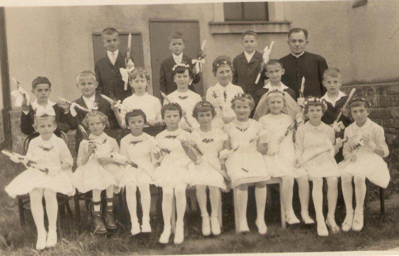 Sv. přijímání 1964.jpg