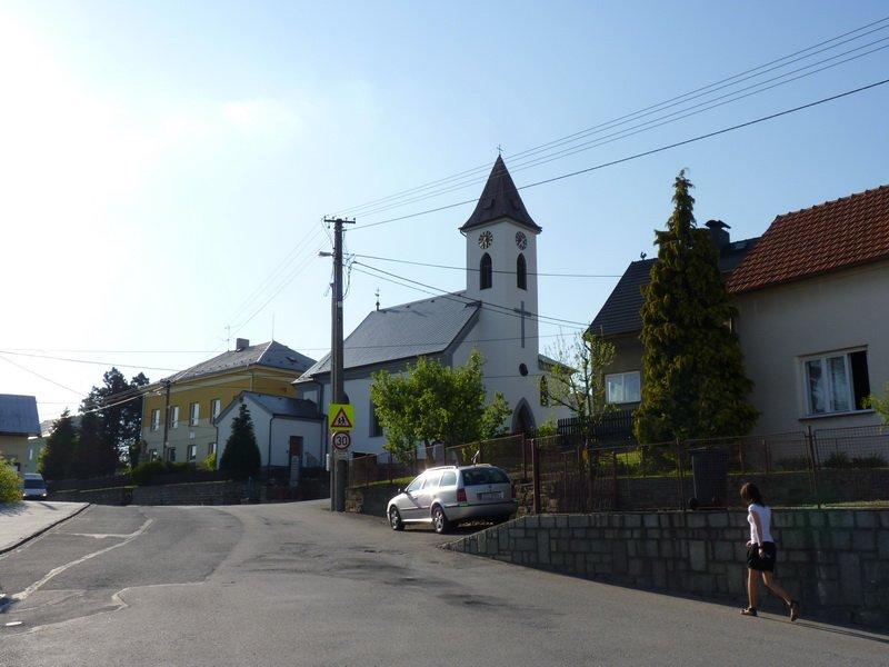 Kostel Nanebevzeti P. Marie v Teskovicich