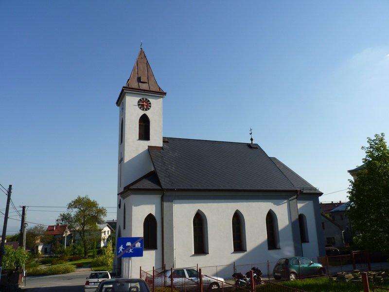Kostel po rekonstrukci, pohled z boku