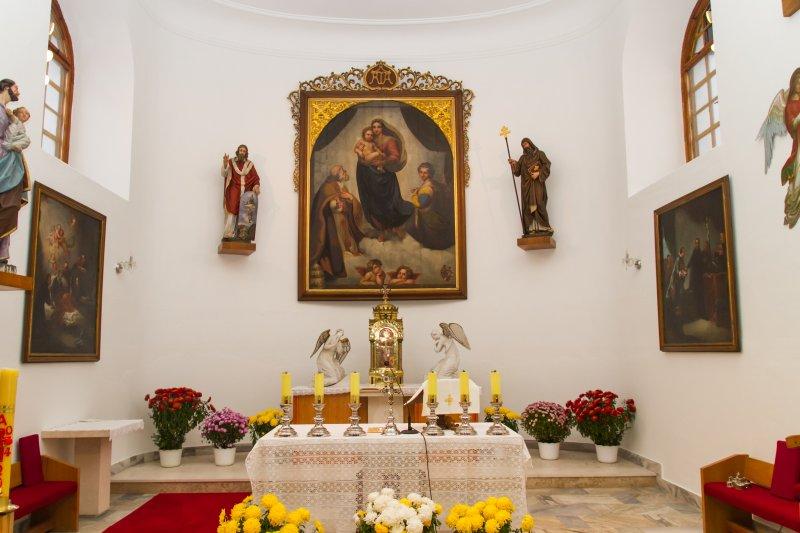 Hlavni oltar