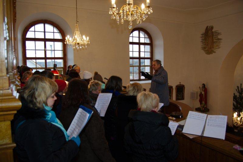 Chrámový sbor při vánoční mši svaté