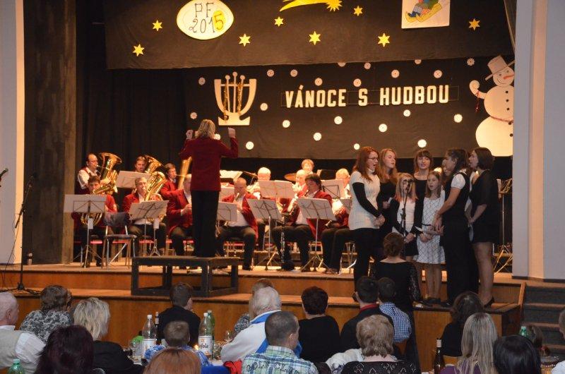 Vánoční koncert se slatinským orchestrem 2014